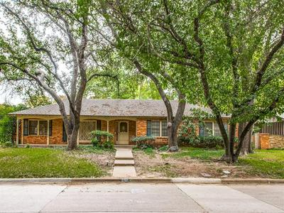 2701 HARTWOOD DR, Fort Worth, TX 76109 - Photo 1