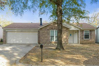 5317 WINDY MEADOW DR, Arlington, TX 76017 - Photo 1