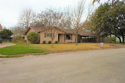 1305 W WOODLAWN ST, SAN SABA, TX 76877 - Photo 2