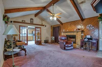 110 DEBORDE CIR, Red Oak, TX 75154 - Photo 2