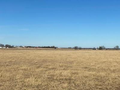 8 DIXIE RD, Whitesboro, TX 76273 - Photo 2