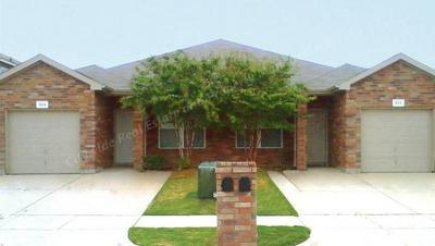 924 WALNUT ST, Burleson, TX 76028 - Photo 1