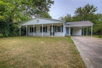 902 N NEAL ST, Commerce, TX 75428 - Photo 2
