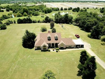 910 E SIMONDS RD, Seagoville, TX 75159 - Photo 1