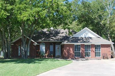 1007 OXFORD DR, Gainesville, TX 76240 - Photo 1
