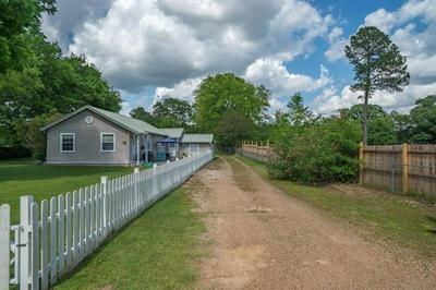 537 S HOUSTON ST, Edgewood, TX 75117 - Photo 2