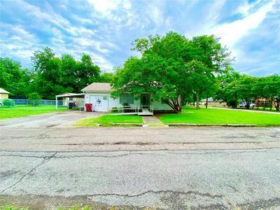 1100 OAK ST, Bonham, TX 75418 - Photo 1