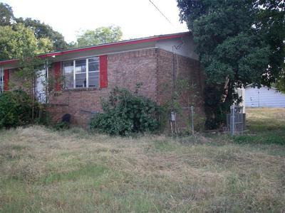 522 E PIERSON ST, HAMILTON, TX 76531 - Photo 2
