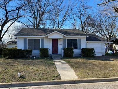 115 MULBERRY ST, Whitesboro, TX 76273 - Photo 1