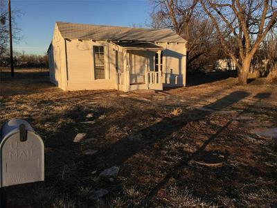 302 N 14TH ST, Abilene, TX 79601 - Photo 1