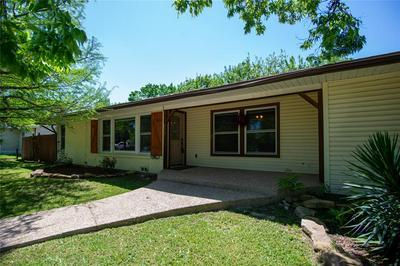 311 N FRIOU ST, Alvarado, TX 76009 - Photo 2