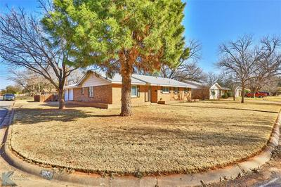 3850 BROOKHOLLOW DR, Abilene, TX 79605 - Photo 2