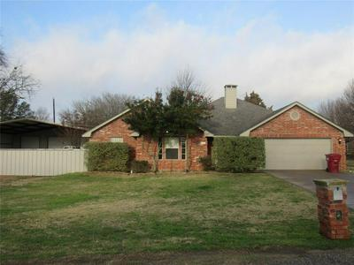 204 GAYLE CIR, BELLS, TX 75414 - Photo 1
