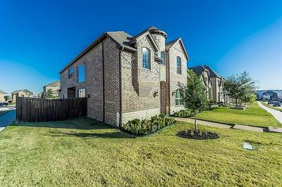 3643 CHESTERFIELD ST, Irving, TX 75038 - Photo 2