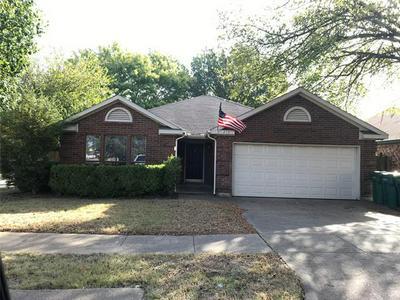 202 RIDGECREST DR, Cedar Hill, TX 75104 - Photo 1