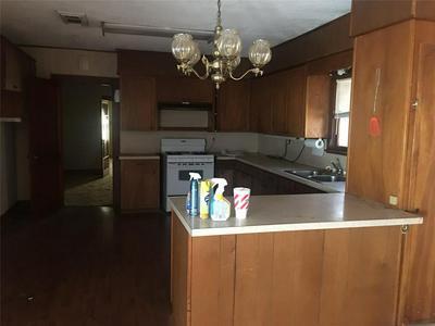 505 W MAIN ST, HAMILTON, TX 76531 - Photo 2