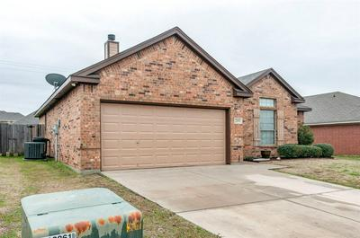 209 STONEGATE BLVD, ALVARADO, TX 76009 - Photo 2