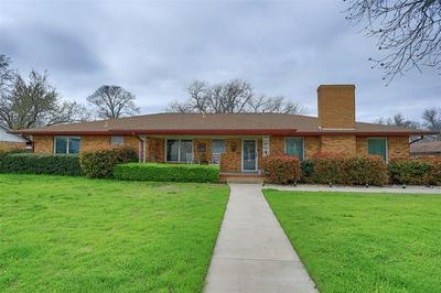 119 N UNION ST, Whitesboro, TX 76273 - Photo 1