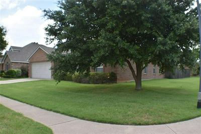 1328 LAKE SHORE DR, Crowley, TX 76036 - Photo 2