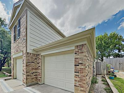 211 WOODDALE, Euless, TX 76039 - Photo 2