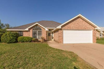 7526 PATRICIA LN, Abilene, TX 79606 - Photo 2