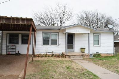 908 W 1ST ST, COLEMAN, TX 76834 - Photo 2