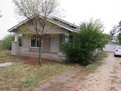 1820 AVENUE L, Anson, TX 79501 - Photo 2