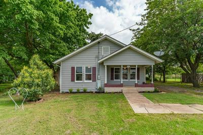 304 W CHURCH, Bailey, TX 75413 - Photo 1