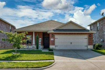 9004 CLOUDVEIL DR, Arlington, TX 76002 - Photo 2