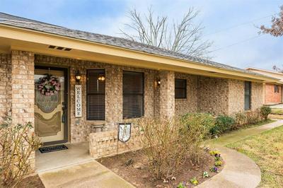 257 DAVIS AVE, STEPHENVILLE, TX 76401 - Photo 2