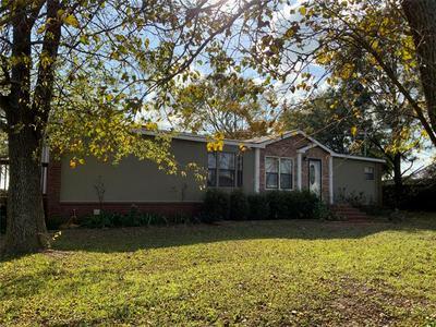 628 W LINE RD, Whitesboro, TX 76273 - Photo 1