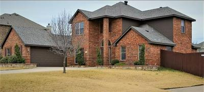 1281 FOREST GREEN DR, Kennedale, TX 76060 - Photo 2