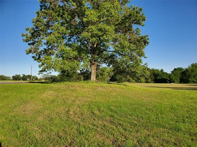 402 S TEXAS ST, Emory, TX 75440 - Photo 1