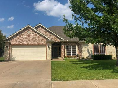 811 BENT WOOD LN, Cleburne, TX 76033 - Photo 1