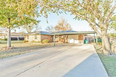 1505 ELDORADO ST, Bowie, TX 76230 - Photo 2