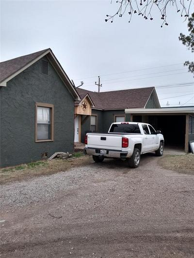 606 N CEDAR ST, Seymour, TX 76380 - Photo 2