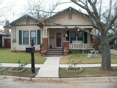 914 S NECHES ST, Coleman, TX 76834 - Photo 1