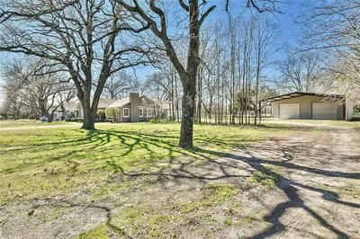 214 HIGHLAND AVE, DUBLIN, TX 76446 - Photo 2