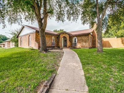 735 S FOREST LN, Duncanville, TX 75116 - Photo 1