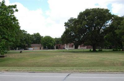 1901 N KAUFMAN ST, Ennis, TX 75119 - Photo 1