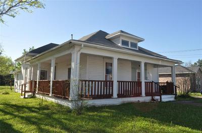 2108 SPEEDWAY ST, GREENVILLE, TX 75401 - Photo 2