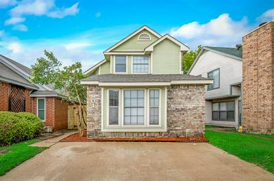 904 FAIRBANKS CIR, Duncanville, TX 75137 - Photo 1