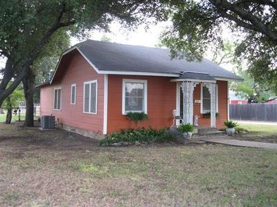 1405 W WILLIAMS ST, Breckenridge, TX 76424 - Photo 2