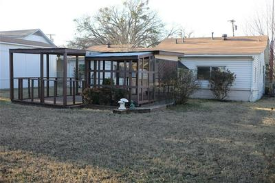 311 WASHINGTON ST, BOWIE, TX 76230 - Photo 2