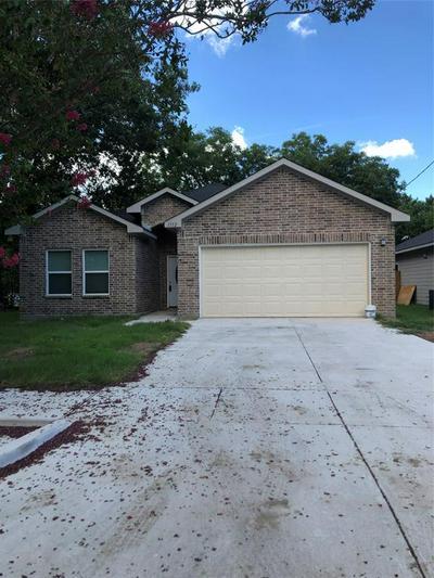 1112 WALWORTH ST, Greenville, TX 75401 - Photo 2