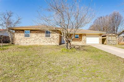 1504 LINDA ST, BOWIE, TX 76230 - Photo 1