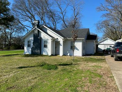1063 E MAIN ST, Van, TX 75790 - Photo 1