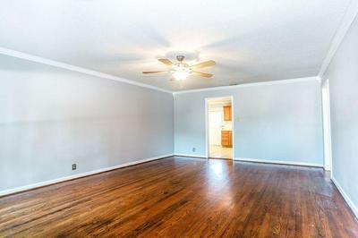 4229 SEXTON LN, Dallas, TX 75229 - Photo 2