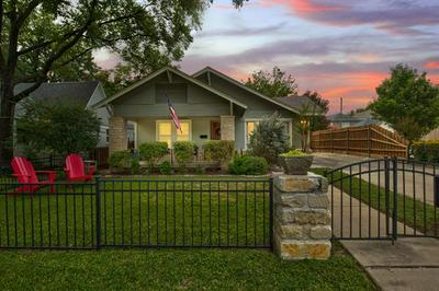 4537 COLLINWOOD AVE, Fort Worth, TX 76107 - Photo 1