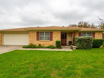 4410 DELWOOD DR, BROWNWOOD, TX 76801 - Photo 1